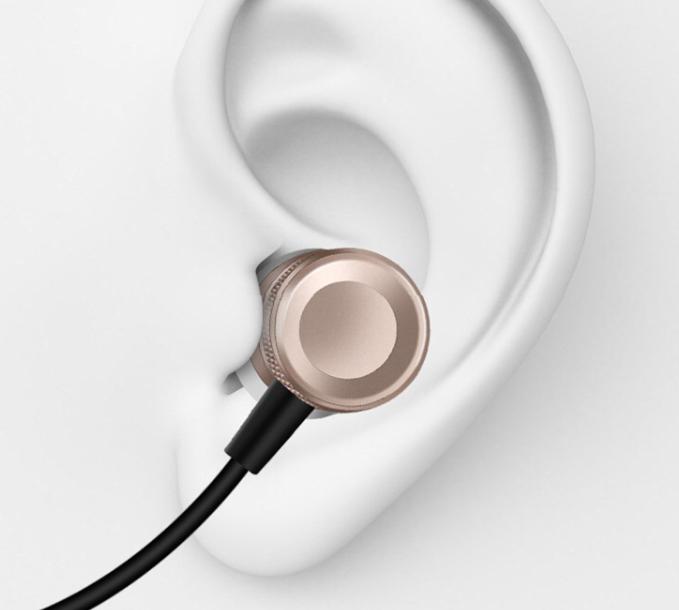 In-ear Hörlurar från Tomkas med Mic-in Line Control - mobilrex 7d56a59850019